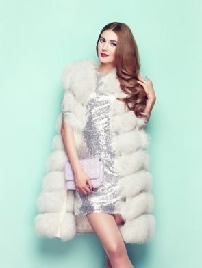 demo-attachment-149-fashion-portrait-young-woman-in-white-fur-coat-PYMHDNN